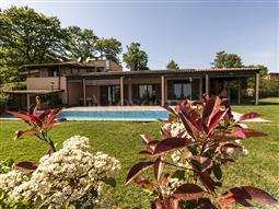 Villa in vendita di 400 mq a €990.000 (rif. 10/2018)