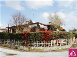 Villa in vendita di 200 mq a €187.000 (rif. 86/2017)