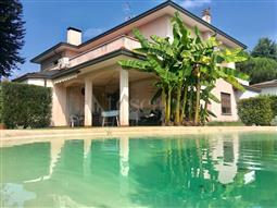 Villa in vendita di 450 mq a €850.000 (rif. 82/2018)