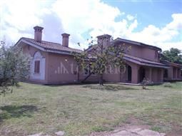 Villa in vendita di 900 mq trattativa riservata (rif. 52/2018)