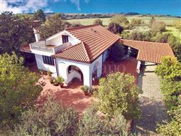 Villa in vendita di 380 mq a €369.000 (rif. 54/2018)