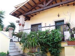Villa Bifamiliare in vendita di 190 mq a €285.000 (rif. 8/2018)
