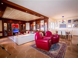 Villa in vendita di 530 mq a €690.000 (rif. 41/2018)