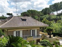 Villa in vendita di 300 mq a €1.390.000 (rif. 44/2018)